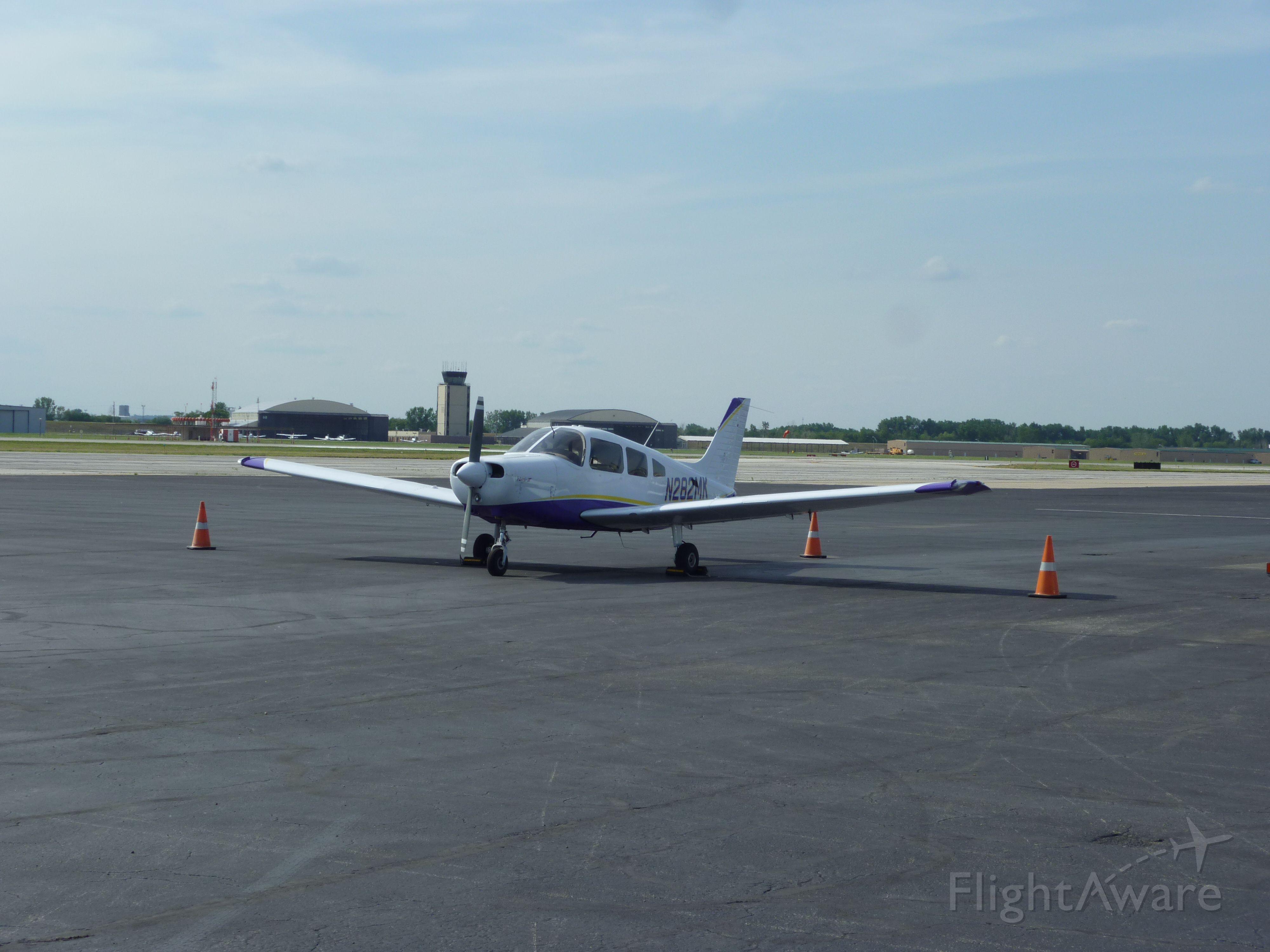 Piper Cherokee (N282MK)