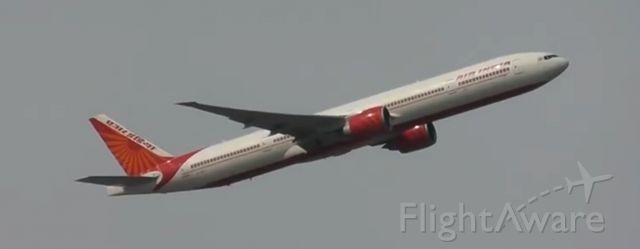 BOEING 777-300ER (VT-ALT) - Taking off