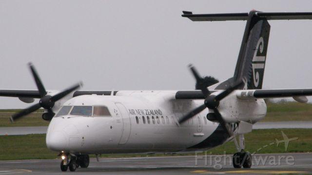 de Havilland Dash 8-300 (ZK-NEZ)