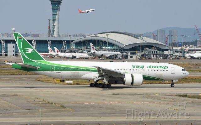 BOEING 777-200LR (YI-AQZ)