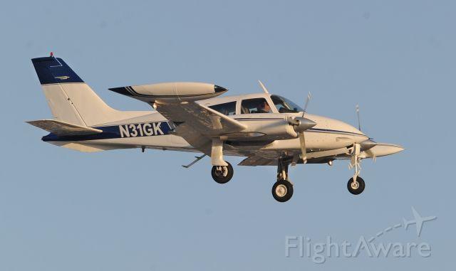 Cessna 310 (N31GK)
