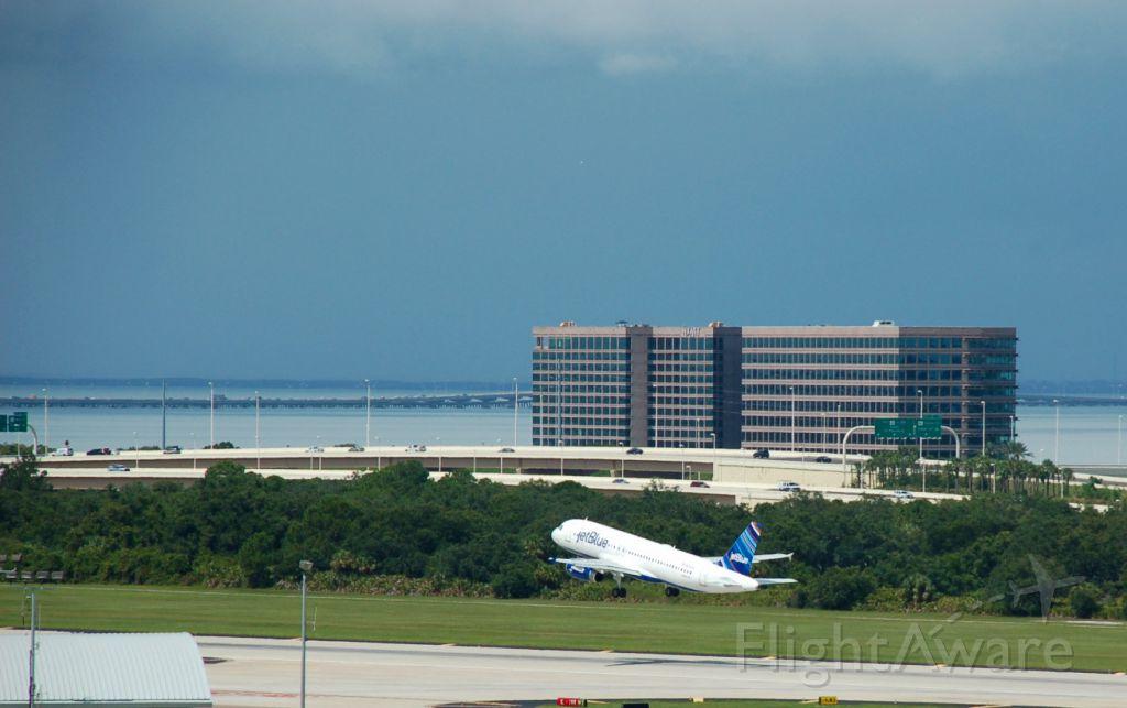 Airbus A320 (N804JB) - Departing KTPA