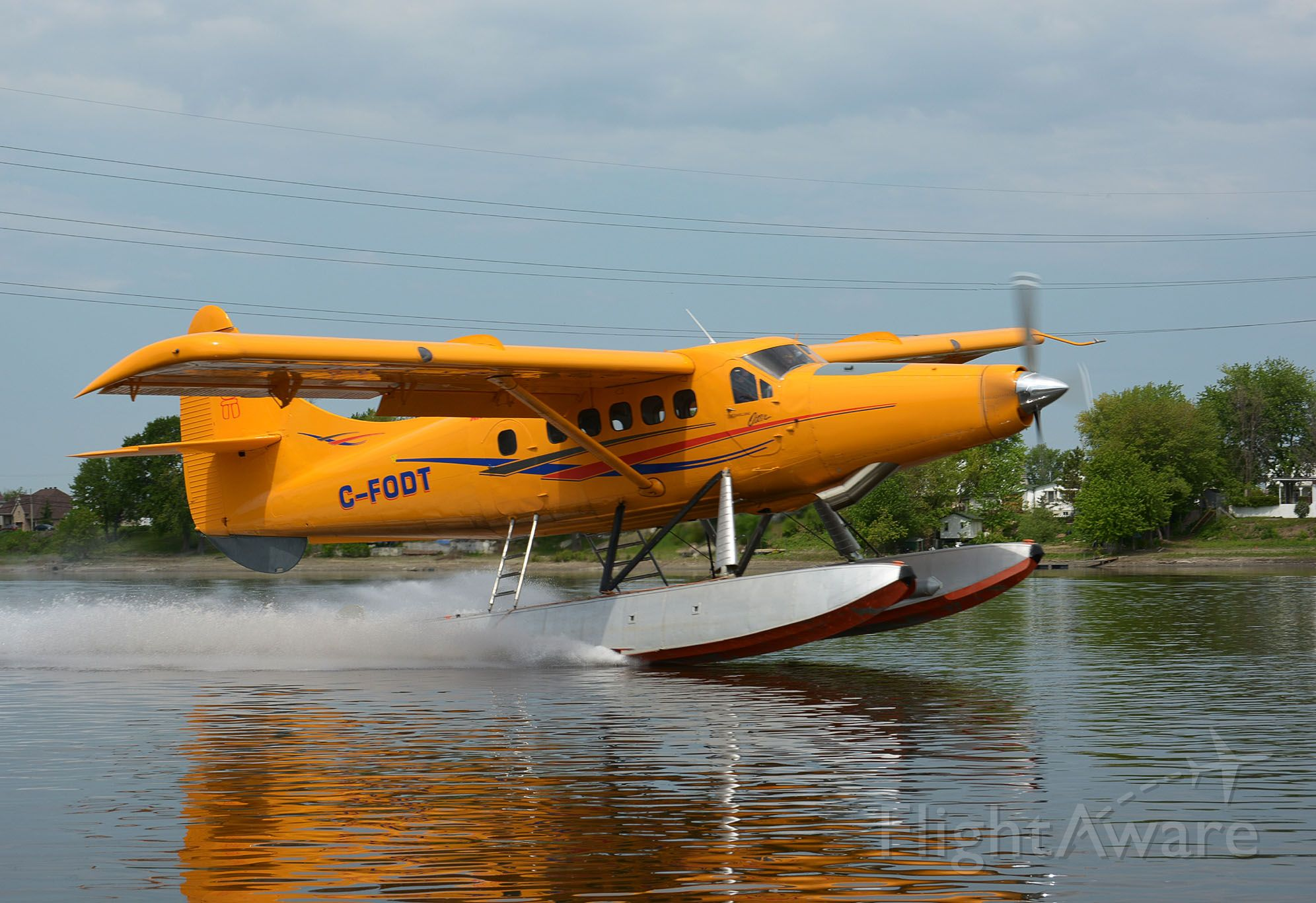 De Havilland Canada DHC-3 Otter (C-FODT) - back on float for the summer.