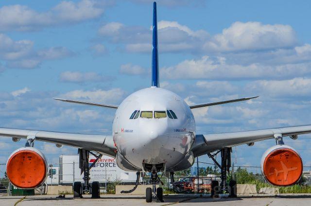 Airbus A330-300 (C-GTSR)