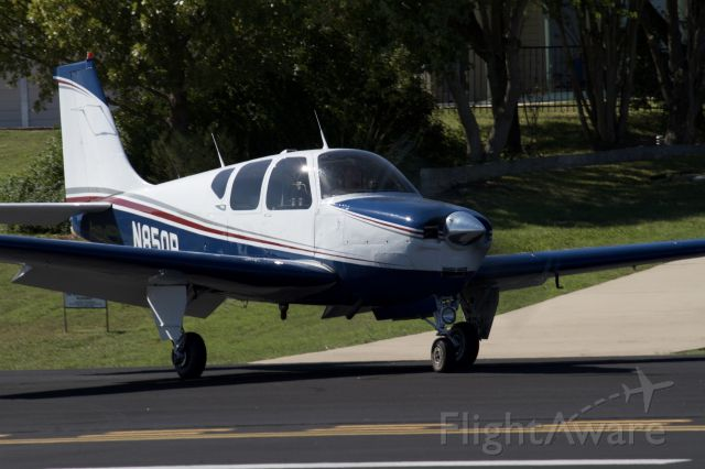 Beechcraft Bonanza (33) (N850R)