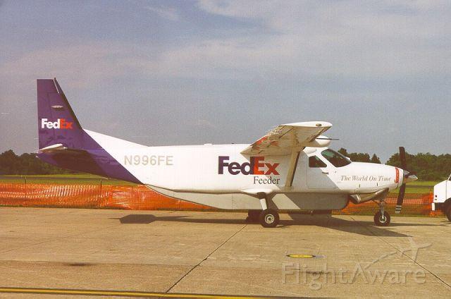 Cessna Caravan (N796FE) - Dia de sol limpo e claro na rampa e eu estava tendo alguns momentos livre.