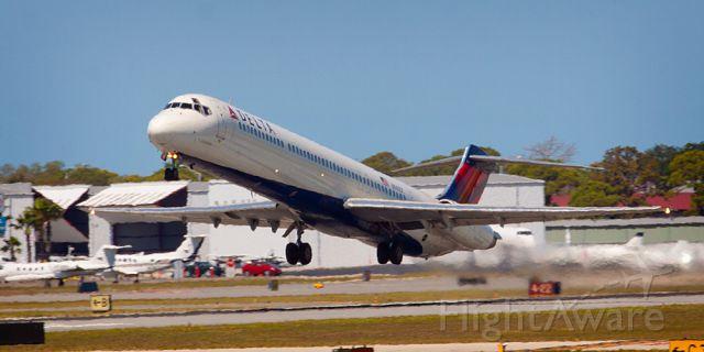 McDonnell Douglas MD-88 (N941DL)