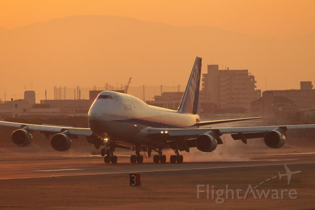 Boeing 747-400 (domestic, no winglets) (JA8961) - All Nippon Airways 747 Itami event FINAL 747-THANKS JUMBO-<br />All Nippon Airways B747-400 Itami to last flight