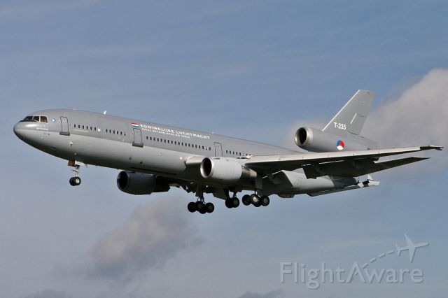 McDonnell Douglas DC-10 (RNAFT235) - Making touch and go