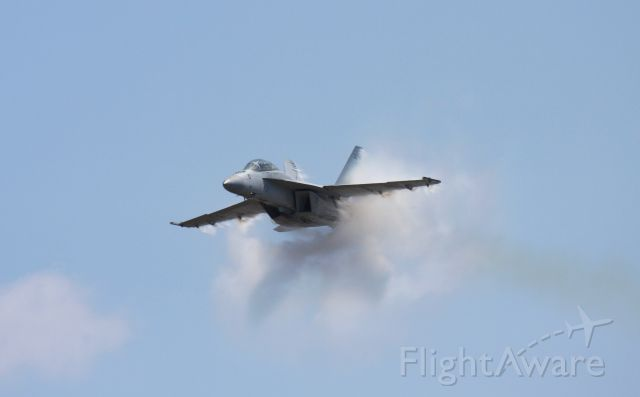 16-5798 — - F/A-18F Super Hornet high speed pass at the McChord Airshow 2008