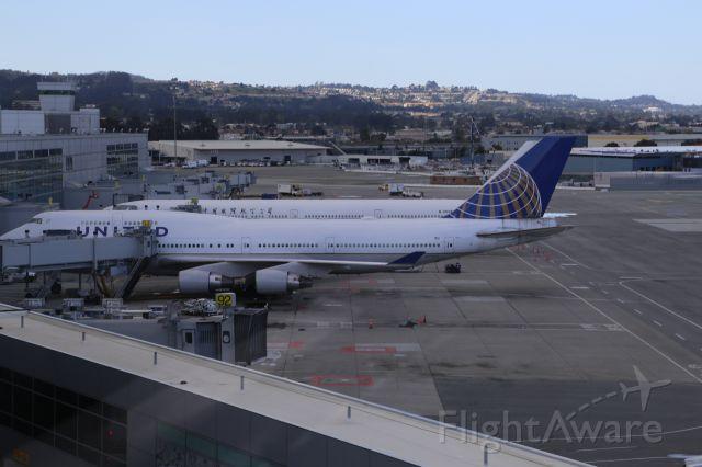 Boeing 747-200 (N175UA)