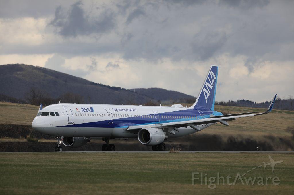 Airbus A321 (JA113A) - 27 April 2017:HKD-HND.