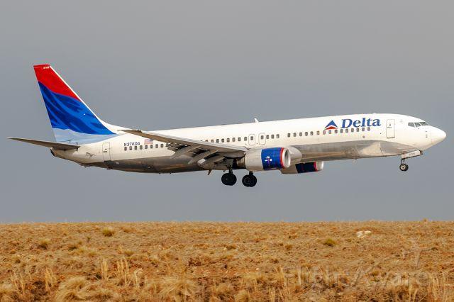 Boeing 737-800 (N376DA) - 2/23/2008