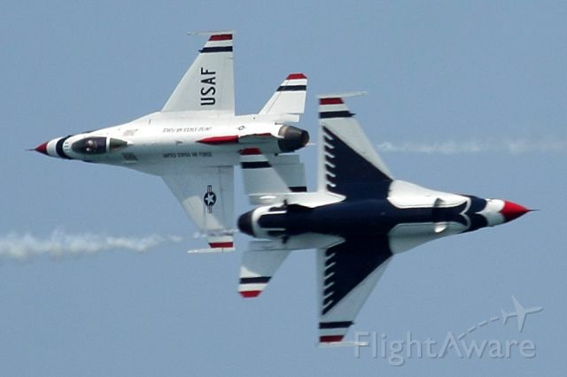 """Lockheed F-16 Fighting Falcon — - Check out our video of the full Thunderbirds performance with 100% authentic and non-leveled sound! <a rel=""""nofollow"""" href=""""http://youtu.be/IbQkvsoPr_I"""">http://youtu.be/IbQkvsoPr_I</a><br /><br />The US Air Force Thunderbirds show off the """"opposing pass"""" during a practice run for the Fort Lauderdale Air Show! 05/06/16"""