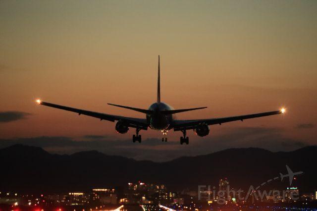 BOEING 767-300 (JA611J) - August 26th 2019:HND-HKD.