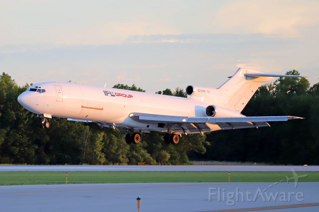 BOEING 727-200 (N216WE) - Transauto (TSU) 216 about to touchdown on RWY 07 on 18 Jun 2020.