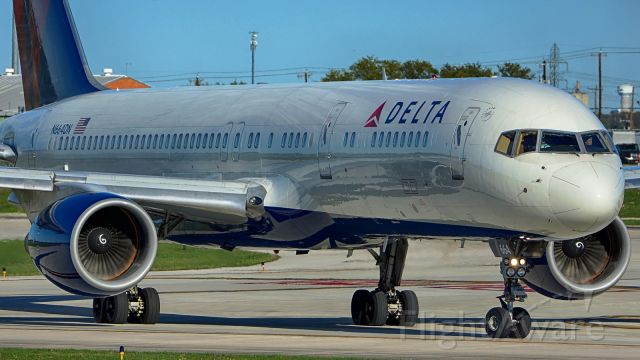 Boeing 757-200 (N664DN) - Exiting 4 after arrival.