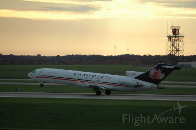 Boeing 727-100 (C-GCJY) - a 722 taking off from 18L on a sunday evening