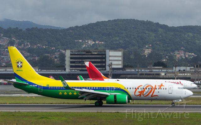 Boeing 737-800 (PR-GUM)