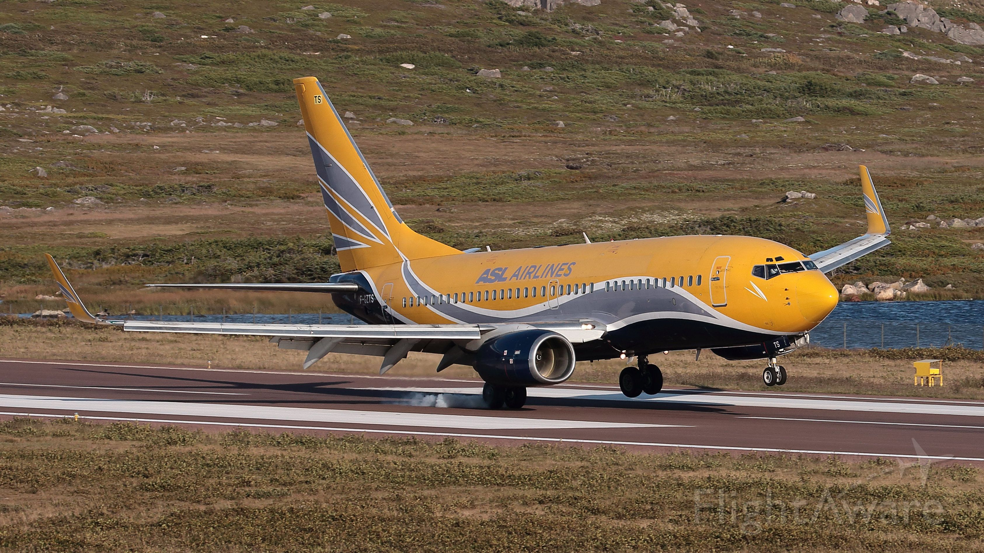 Boeing 737-700 (F-GZTS)
