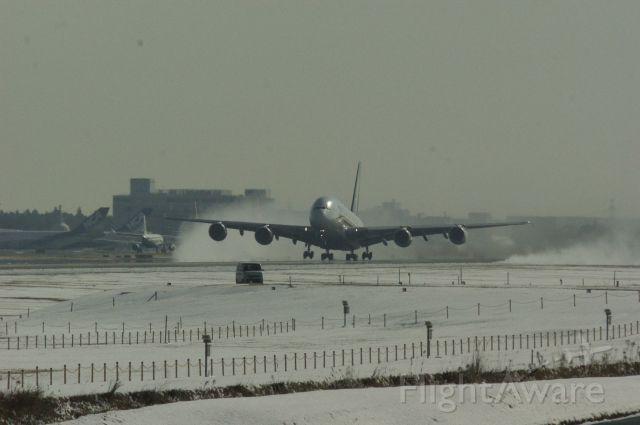Airbus A380-800 (9V-SKL)