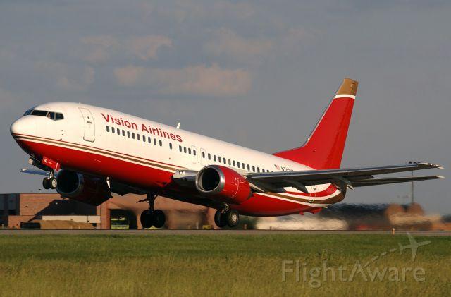 BOEING 737-400 (N742VA)