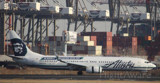 Boeing 737-700 (N453AS)