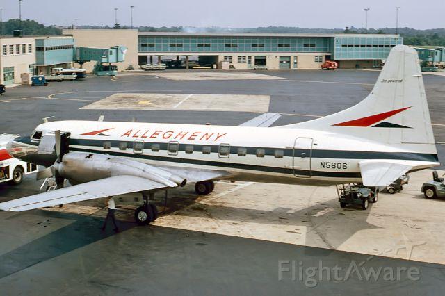 N5806 — - ALLEGHENY AIRLINES - CONVAIR 580 - REG : N5806 (CN 168) - PITTSBURGH - INTERNATIONAL (GREATER PITTSBURGH) USA. PENNSYLVANIA - KPIT (19/8/1967)
