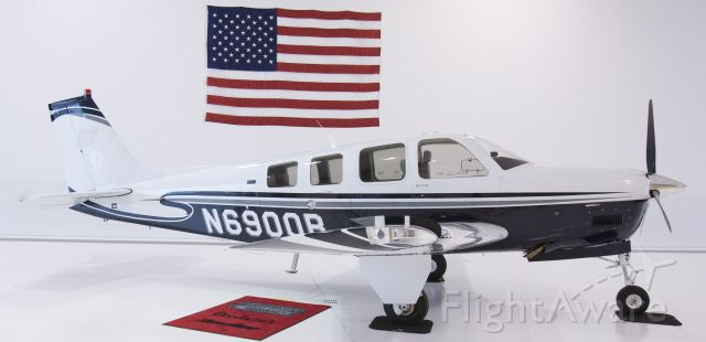 Beechcraft Bonanza (36) (N6900B)