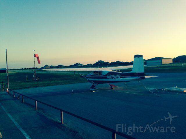 Cessna Skyhawk (N9196B)