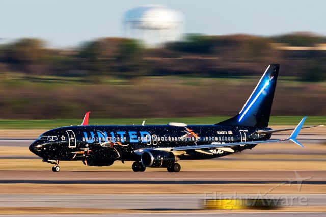 "Boeing 737-800 (N36272) - N36272 ""Star Wars - The Rise of Skywalker"" departing DFW 35L for EWR"