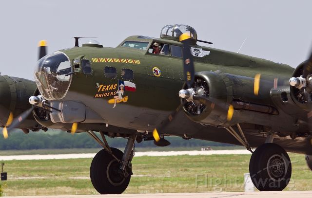 """N7227C — - Texas Raiders taxing in at the 2018 Dyess Big Country Air & Space Expo (please view in """"Full"""" for best image quality)"""