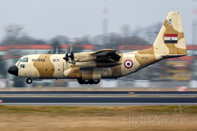 Lockheed C-130 Hercules (SU-BAB)