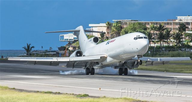 BOEING 727-200 (N215WE) - IFLGroup Cargo boeing 727 making positive contact during landing at St Maarten.
