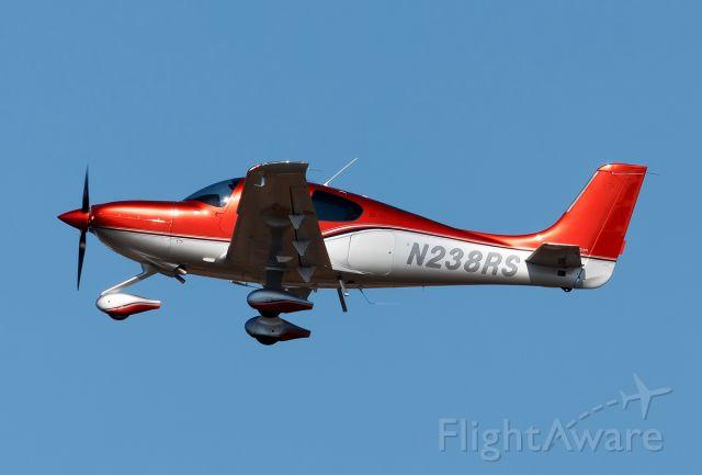 Cirrus SR-22 (N238RS)