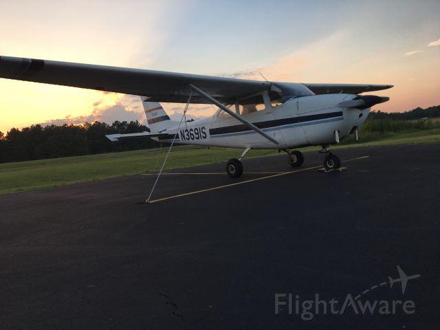 Cessna Skyhawk (N3691S)