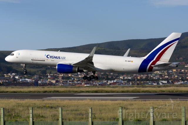 BOEING 757-300 (EC-NHF) - Cygnus Air<br />Tenerife Norte<br />06 april 2021