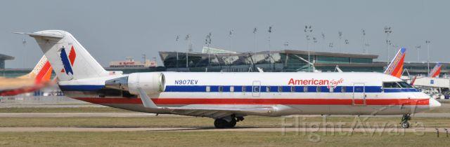 Canadair Regional Jet CRJ-200 (N907EV)