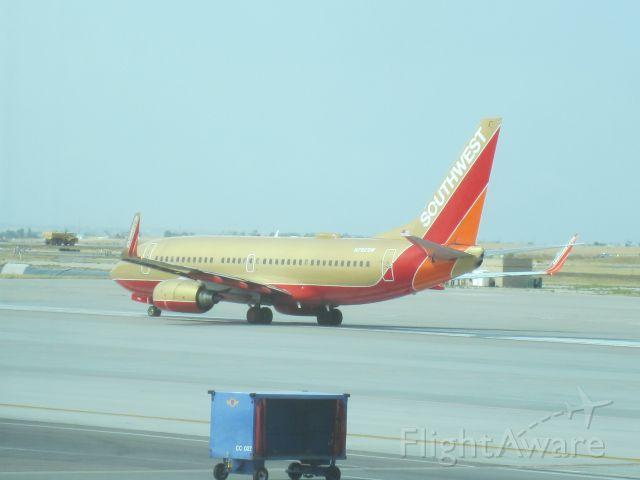 Boeing 737-700 (N792SW)