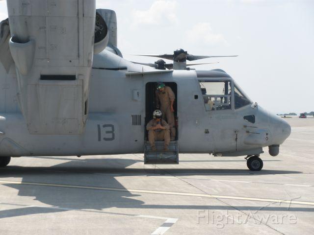 Bell V-22 Osprey (N5944) - Break time