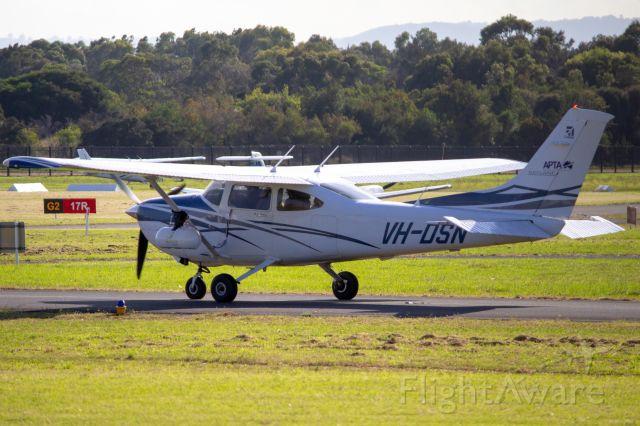 Cessna Skylane (VH-DSN)