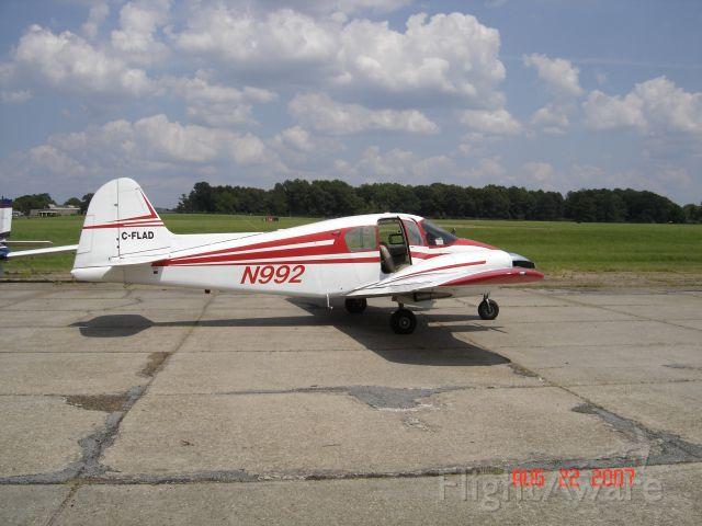 Piper Apache (N992) -