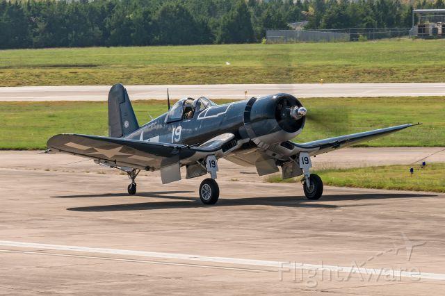 VOUGHT-SIKORSKY V-166 Corsair (N451FG)