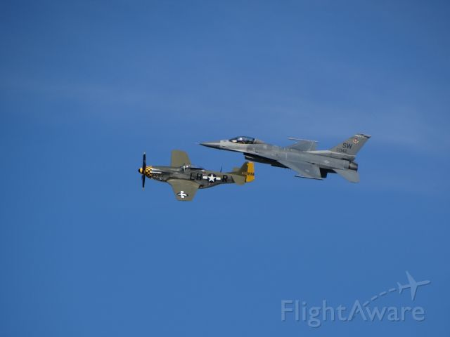 — — - General Dynamics F-16 Fighting Falcon & North American P-51 Mustang