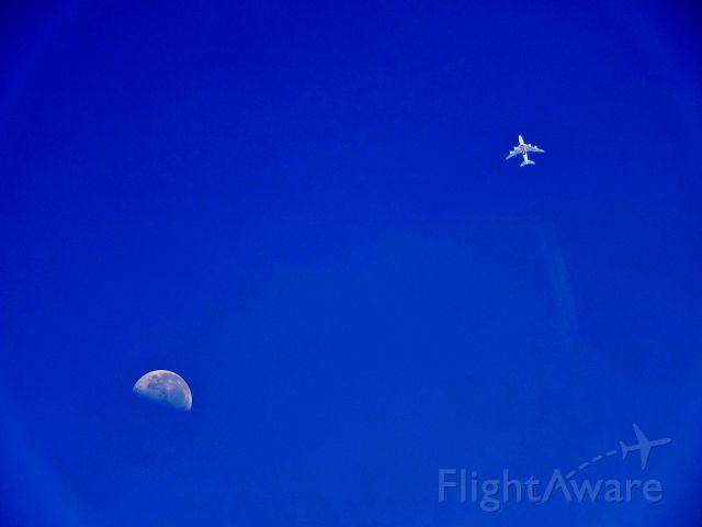 Airbus A380-800 (A6-EDD) - Flight 414 to Sydney! MOON Vs Jet!
