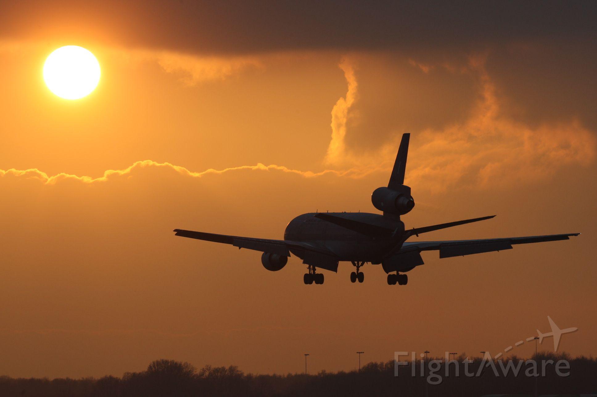 T235 — - Dutch AF KDC-10 landing at indhoven AB during sunset