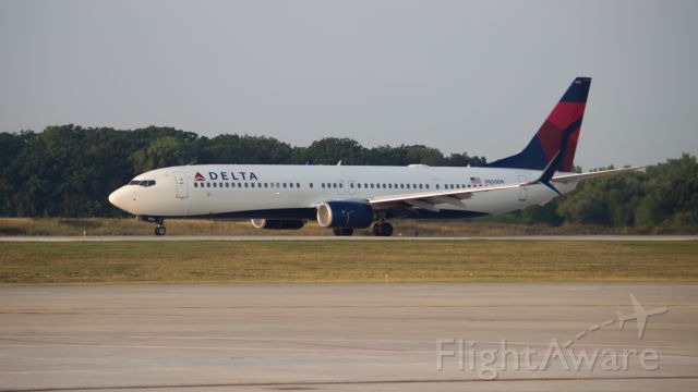 Boeing 737-900 (N850DN)