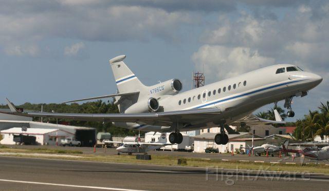 Dassault Falcon 7X (N786CS)