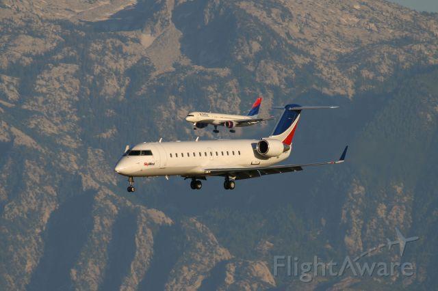Canadair Regional Jet CRJ-200 (N698BR)