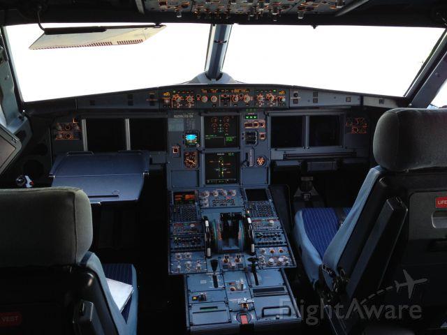 Airbus A320 (N625VA) - Virgin America Flight Deck.
